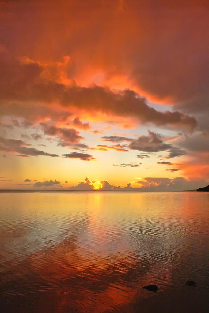 Molokai Sunset © lynette sheppard